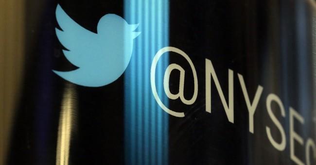 Trump tweets don't help: 1st Twitter revenue drop since IPO