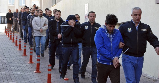 Turkey: 1,000 detained over suspected links to Gulen
