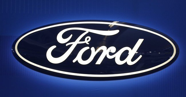 Ford 1Q profit down on recalls, lower sales, but tops Street