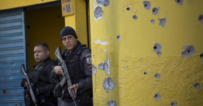 Rio governor asks for federal help to fight violence in slum