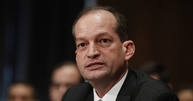 Alex Acosta sworn in as US labor secretary