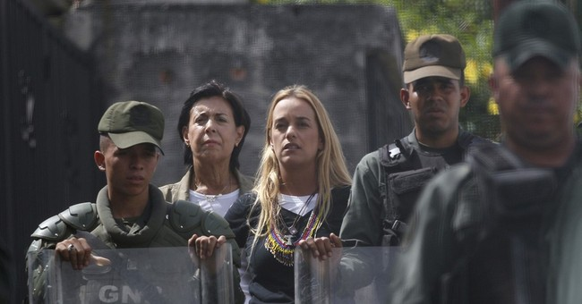 Venezuela formally notifies OAS it will leave amid protests