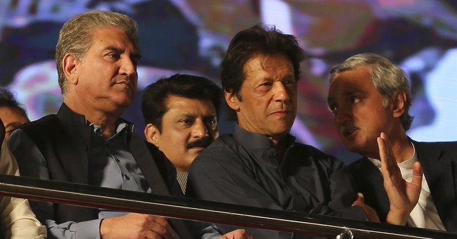 Pakistan: Thousands of activists rally against PM Sharif