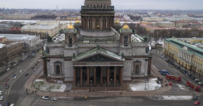 St. Petersburg defends transfer of landmark to church