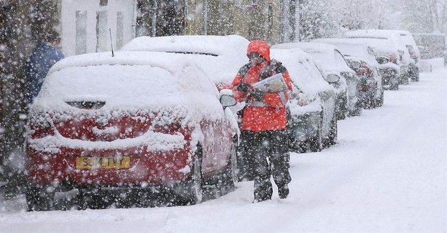 Heathrow Airport cancels flights amid snow forecasts in UK