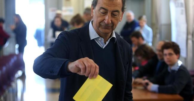Italy's Renzi easily in Democratic Party primary
