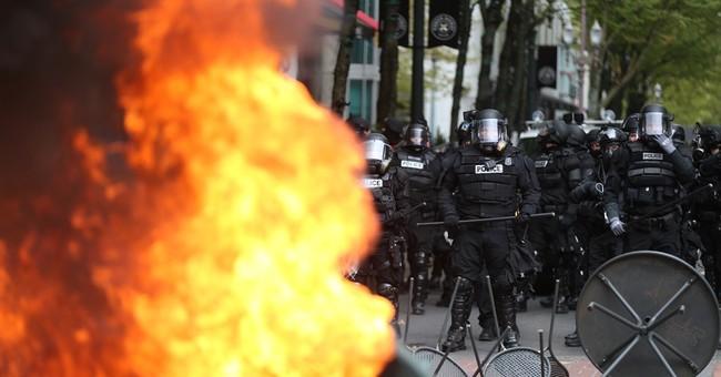 """Portland, Oregon, mayor condemns """"violent"""" May Day protest"""