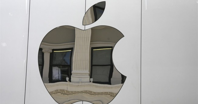 Apple growing cash stash spurs talk of huge acquisition