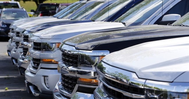 Auto sales fall 4.7 pct.; 7-year win streak may come to end