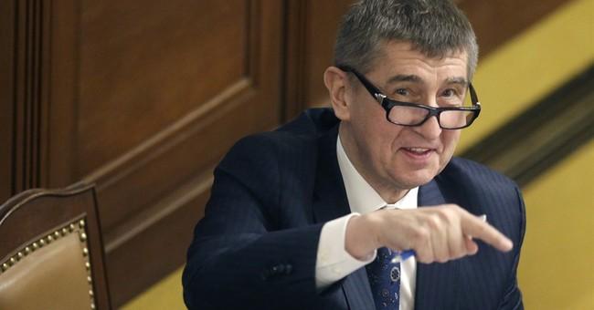 Czech prime minister announces government resignation