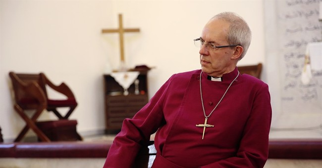 Head of Anglican church visits Christian refugees in Jordan