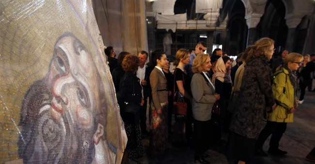 Huge Russian mosaic arrives at Serbia's largest church