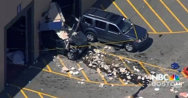 2 people killed in crash at indoor auto auction identified