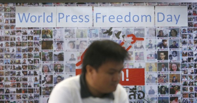 Thai media demand gov't withdraw media regulation bill