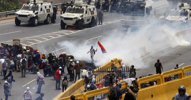 Clashes in Venezuela as Maduro starts constitutional rewrite