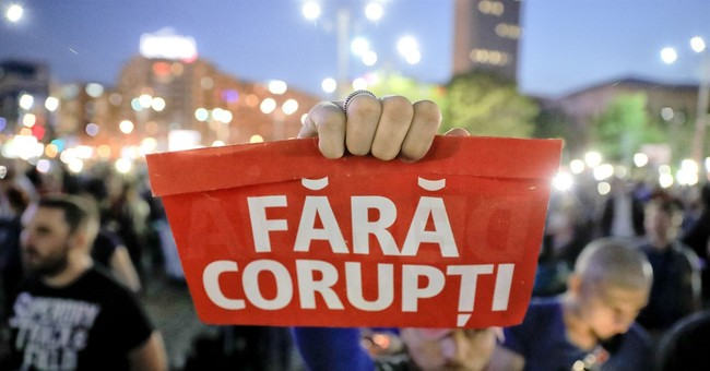 Romania: More than 1K protest move to ease off on corruption