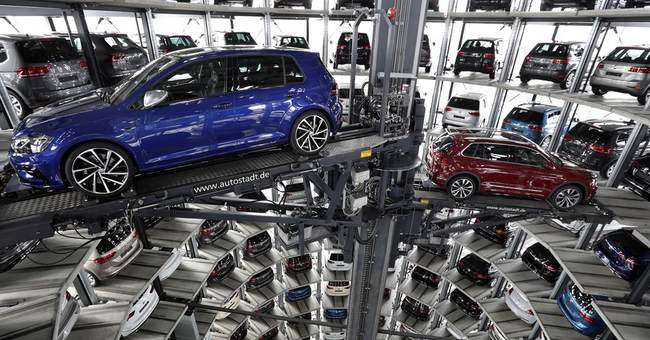 Volkswagen's Q1 profit up 44 percent as sales mix improves