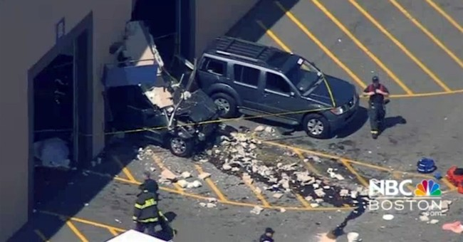 Indoor auto auction to reopen after crash that killed 3