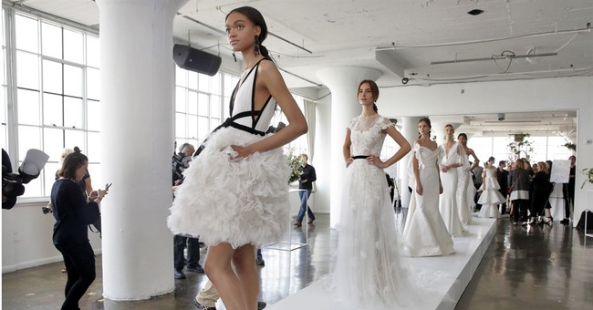 Bridal trendspotting: black accents, all-over beading, shoes