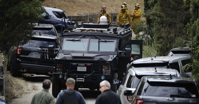 Police kill burglary suspect in shootout at LA home