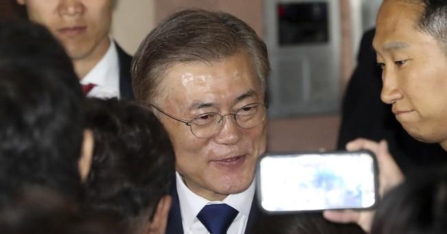 Moon's turbulent life before winning S. Korean presidency