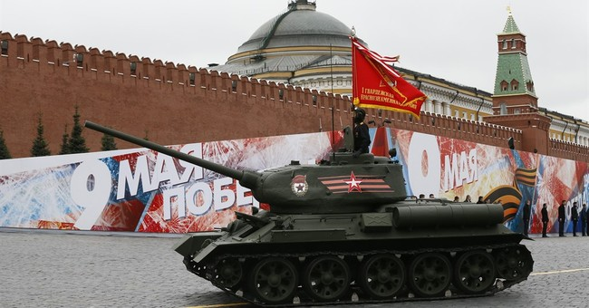 Putin calls for international unity on overcast Victory Day
