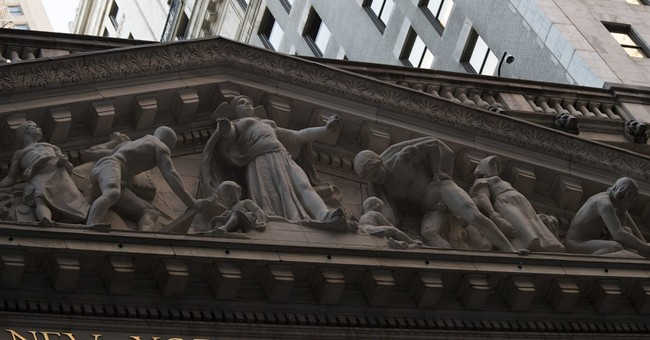 US stock indexes end mostly higher on solid bank earnings