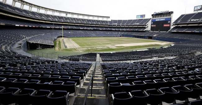 Column: Greed wins out as Chargers abandon fans, flee to LA
