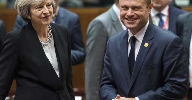 As talks loom, 'hard Brexit' option raises fear of tariffs