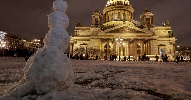 Hundreds protest transfer of Russian landmark to church