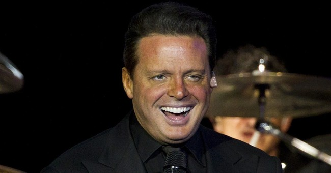 Luis Miguel settles lawsuit that prompted his arrest