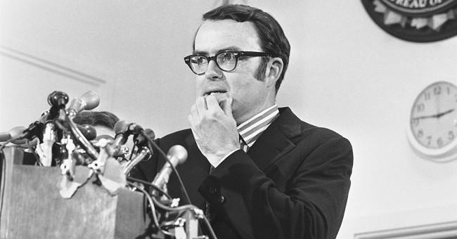 Comey firing compared to Nixon's 'Saturday Night Massacre'