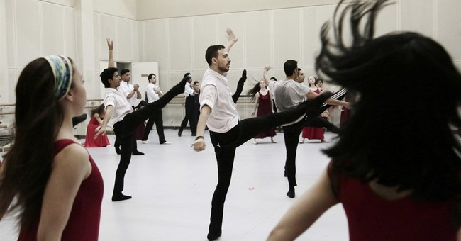 Egypt's ballet dancers find passion on an isolated stage