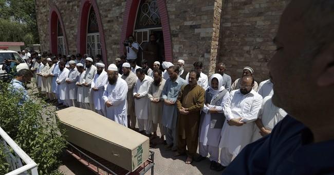 Gunmen kill 10 laborers near port in southwest Pakistan