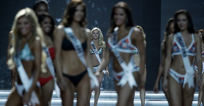 The Latest: Miss District of Columbia wins 2017 Miss USA