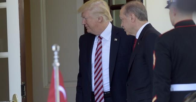 Putin Offers U.S. Record of Trump-Lavrov Talks in Secrets Row