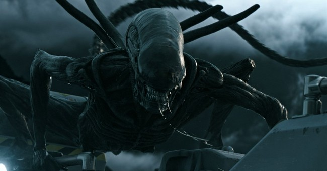 Review: In 'Alien: Covenant,' a return to gut-busting horror