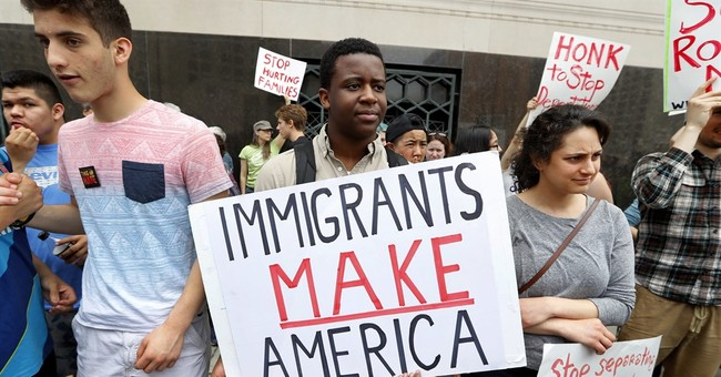 US: Immigrant arrests soar under Trump, fewer deported