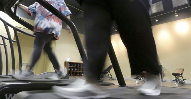 Combination of strength, aerobic training found best for obese elderly