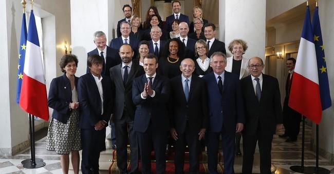French President Macron talks to Putin, faces media uproar