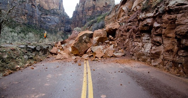 Rock slide closes 2 miles of Zion National Park scenic drive