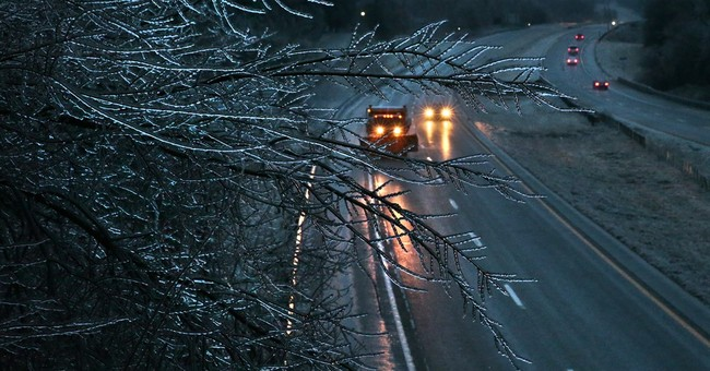 Central US Ice storm falls short of dire forecasts