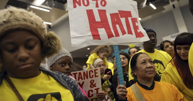 The Latest: Hundreds rally for immigrants in Los Angeles