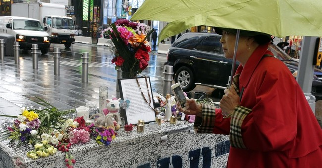 Dad of Times Square crash victim leaves note at her memorial