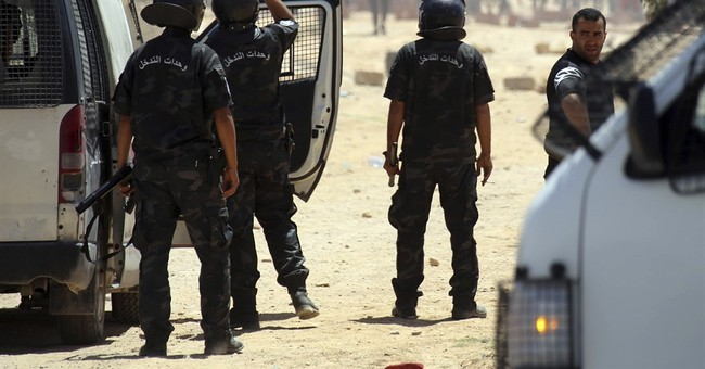 1 dead, several injured in protest clashes in Tunisia