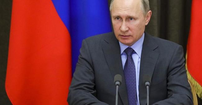 Macron, Putin to meet in Versailles next week
