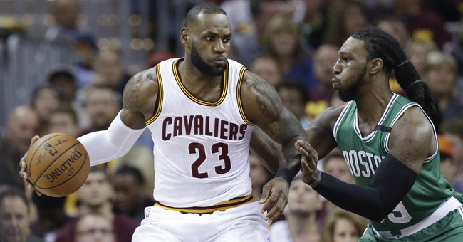 LeBron struggles, exchanges words with fan after Game 3 loss