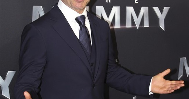 Tom Cruise reveals 'Top Gun 2' to start filming soon
