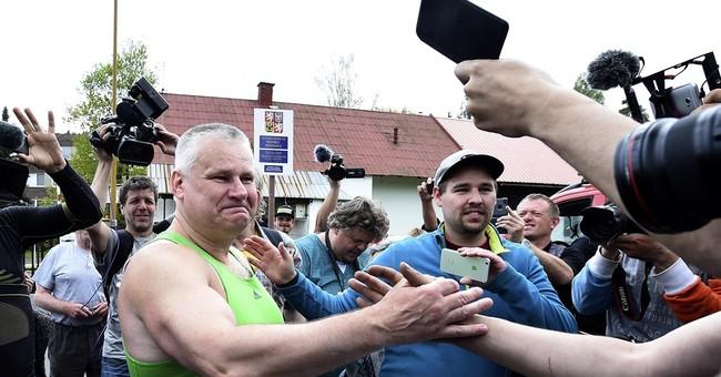 Czech president pardons convicted contract murderer