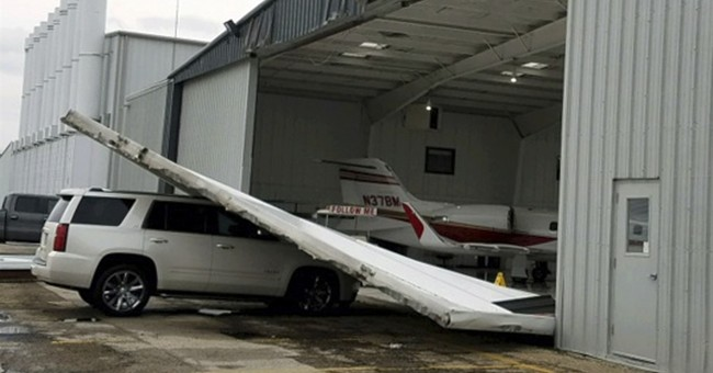 Winds severely damage small planes at North Texas airport